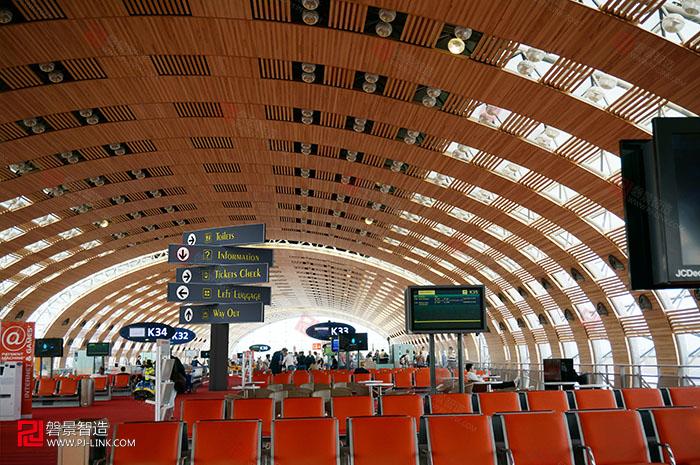 高铁广告机场1.jpg